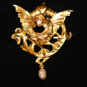 broche epoque 1900 or jaune tete de dragon
